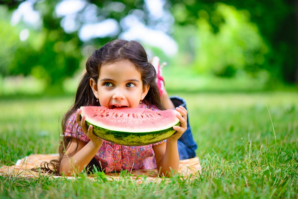 5 Summer Snacks to Help You Keep a Healthy Smile